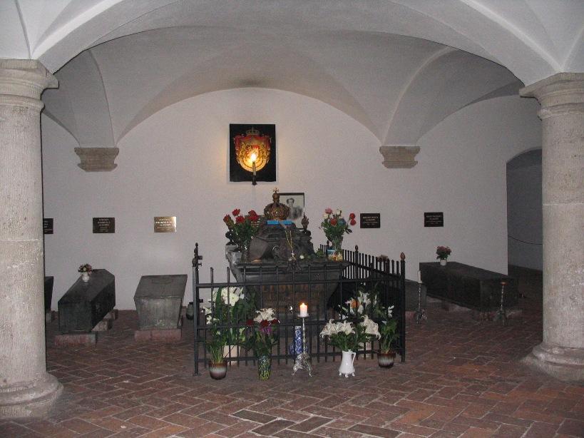 Reyes de Baviera - Página 2 Crypt4