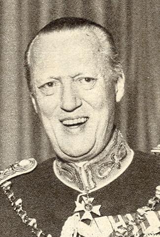 Principe Valdemar de Dinamarca y Princesa Maria de Orleans - Página 2 1920%20George-01