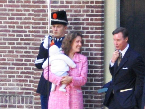 http://www.royaltyguide.nl/images-special/2004%20claus-casimir/doop6.jpg