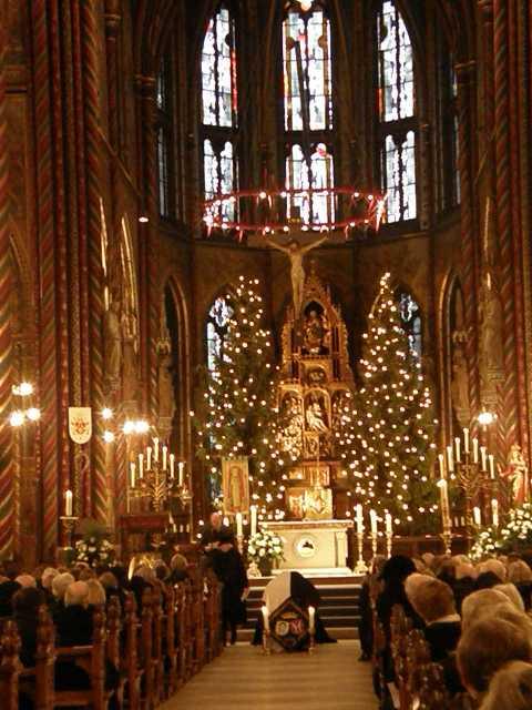 http://www.royaltyguide.nl/images-special/2009%20Loe/church1.JPG