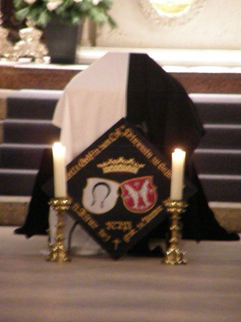 http://www.royaltyguide.nl/images-special/2009%20Loe/church2.JPG